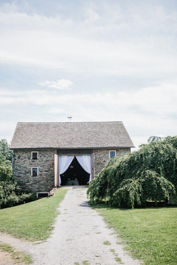 Stone barn wedding at Sylvanside Farm